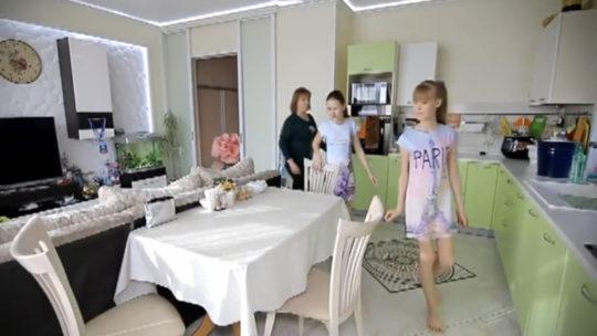 Глава думы Братска показала роскошные апартаменты в фильме о себе