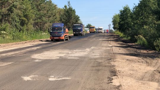 Разбитую дорогу на Комсомольские дачи обновили