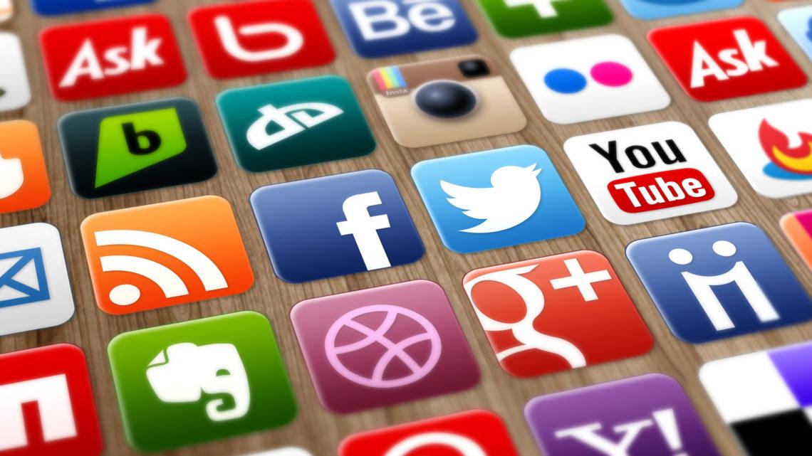 В каких социальных сетях сидит Братск? И чем он там занимается?
