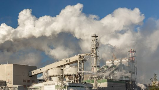 Заводы и власти отчитались, что воздух в Братске стал в разы чище. Поверим?
